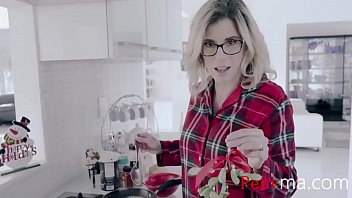 Trial under 5.00 adult Fucking mom under the mistletoe- cory chase