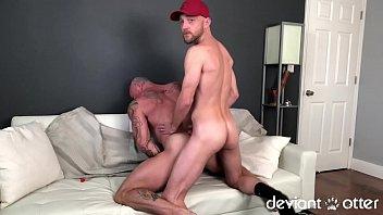 Hot lesbian kiss porno