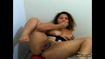 Latina Webcam Girl Dildo Fingering