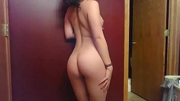 Naked inocent girl Hermosa rubia bailando - http://srt.am/vxccor