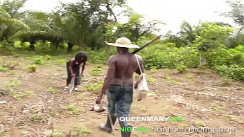 QUEENMARY9JA- African hunter fucked the King's daughter for a bush meat 9分钟