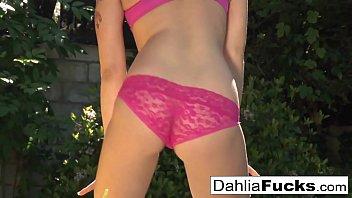 Dahlia's Hot outdoor solo