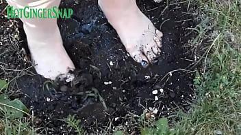 HotGingersnap feet foot fetish muddy on clip4sale