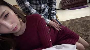 セレブ美人妻の不倫ハメ撮り!セクシーランジェリー着衣のままパンストが破れエッチするスレンダー貧乳な奥さん!人妻熟女の無料エロ動画「一番妻」【無断使用禁止】