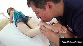 Southern Cali Girl Dee Dee Lynn Strokes A Cock With Her Feet