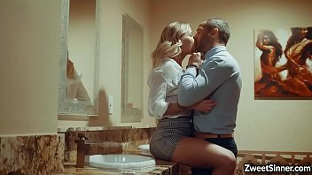 Lady boss Jessa Rhodes saw her secret lover in a local bar and started an awesome rough sex with him inside the bathroom.