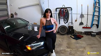 Mechanism of sex determination in humans - Roadside - fit girl gets her pussy banged by the car mechanic