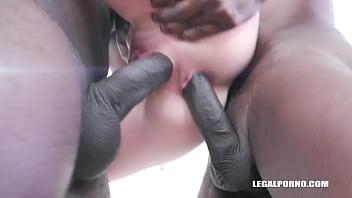 Nina Angel keeps enjoying black cocks IV339