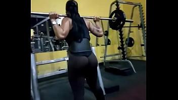 Nalgona en el Gym