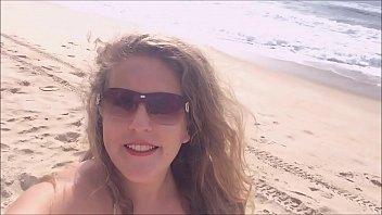 16531 Procurando uma praia deserta na ilha de Florianopolis Brasil, sempre rola uma putaria - Kellenzinha YouTuber hotwife amadora preview