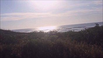9306 Procurando uma praia deserta na ilha de Florianopolis Brasil, sempre rola uma putaria - Kellenzinha YouTuber hotwife amadora preview