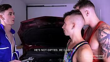 Sexy gay gifts Mechanic fucked on the hood