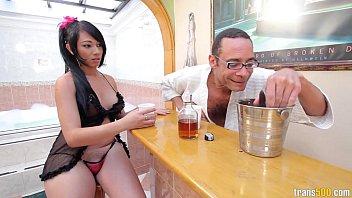Hot Tub Loving with Eva Lin Thumb
