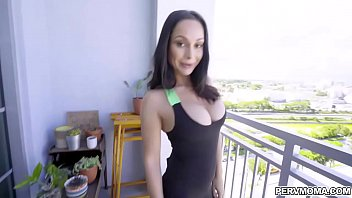 Fuck workout session with MILF Crystal Rush