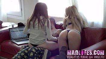 Cunts r us Aris dark y natty mellow chatean en directo con todo el publico del reality show porno de madlifes.c