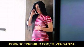 TU VENGANZA - Colombian teen Lola Puentes hot MMF threesome revenge fuck fest