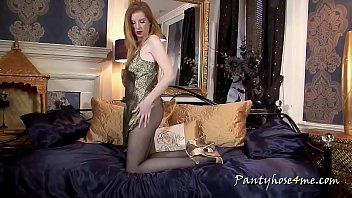 Redhead Gina Shows Her Sexy Legs