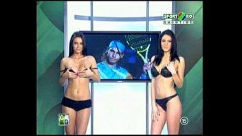 Image: Goluri si Goale ep 2 Gina si Roxy (Romania naked news)