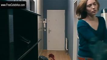 Erika Sainte in Elle ne pleure pas elle chante 2011