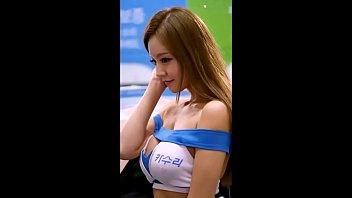 Korean Model Cleavage -naughtycamvideos.net