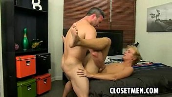 Blond Muscled Guy Gets His Tight Anus Fucked
