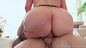 Jules Jordan - Big butt slut Samantha Staxx is ready for porn