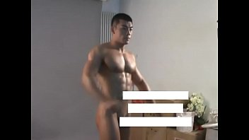 Chinese nude gays Meili series - muscular jock hunk showing his hot body behind the scene