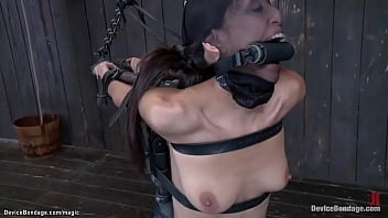 Babe bound in extreme device fingered