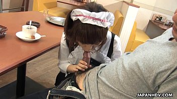 Asian waitress orally pleasing the small dick dude well