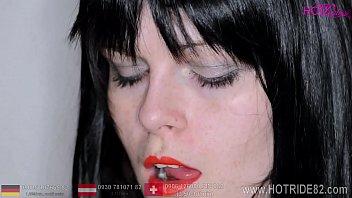 Mund und Lippenfetisch, beobachte meinen Mund, meine Zunge und meine Lippen von ganz nahe. Wunschvideo