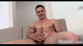 Free gay bear site - Homosexual porn giving a kiss