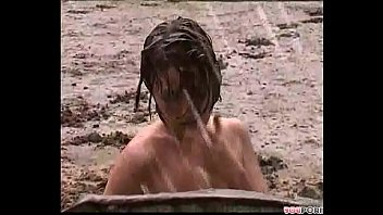 Fango nude Fun in the mud