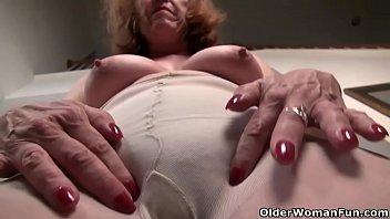 Jennofer garner nude American gilf melody garner pleasures her hairy pussy