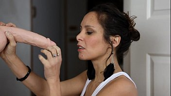 ELENA I'll Suck Your Cock SD