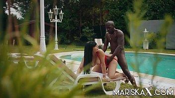 MARISKAX Valena Ri ass fucked by the pool guy