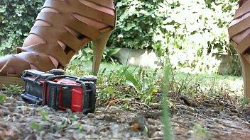 Crushing fetish a fantastic amateur video with my big feet صورة