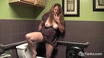 Busty Mature Jane Masturbate her Hairy Twat porno izle