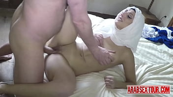 Homeless arab chick gets extra cash by taking extra large cock