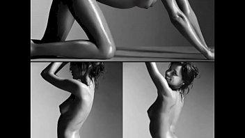 Miranda Kerr Naked: http://ow.ly/SqHsN