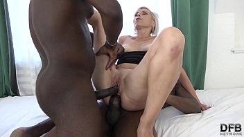 White women like black men dick - Super hardcore interracial fuck for mature that likes double penetration