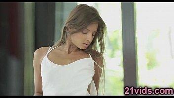 Glamour babe Maria Rya solo