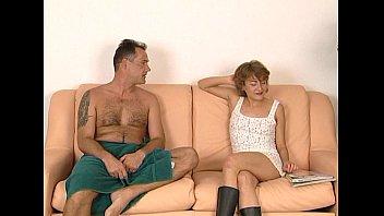 JuliaReaves-XFree - Hausfrauen Report Extra - scene 3