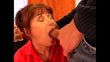 Italian mature porn gratis - Double penetration for the italian grandmother