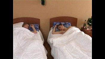 Teen couple fucks in hotel room - WWW.FAPLIX.COM