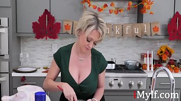Stuffing My Cock Inside Mom's Pudding- Dee Williams