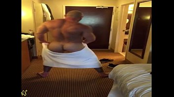Gay stories muscle dad My dad shaking it