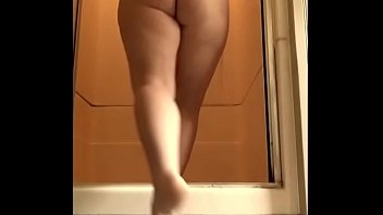Fantasia Desso Invites You To Watch Her Shower