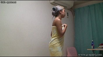 Publis bathing asian - Japanese babe in the shower