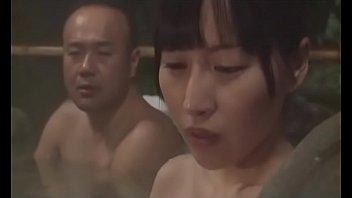 Esposa japonesa coge con su suegro