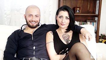 CASTING ALLA ITALIANA - Sesso violento per l'italiana Lady Muffin e un cazzone porn thumbnail
